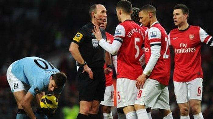 "Чемпионат Англии. ""Арсенал"" - ""Манчестер Сити"" 0:2. По ком звонит Дин?"