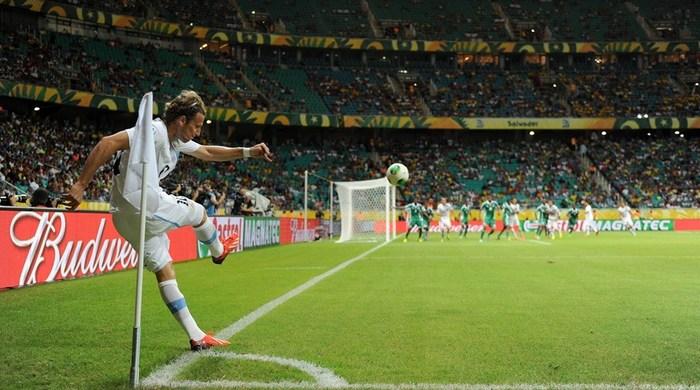 Нигерия - Уругвай 1:2. Возвращение Форлана