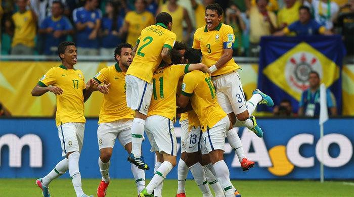 Италия - Бразилия 2:4. Фред показал себя