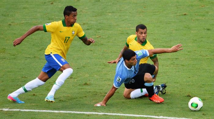 Бразилия - Уругвай 2:1. Паулиньо вовремя вернулся