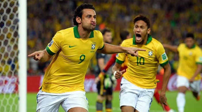 """Фред: """"ФИФА слишком сурово наказала Суареса"""""""