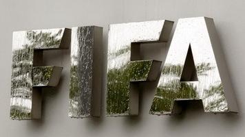 На матче под эгидой ФИФА впервые работала женская бригада арбитров, плюс протестировали систему автофиксации офсайда