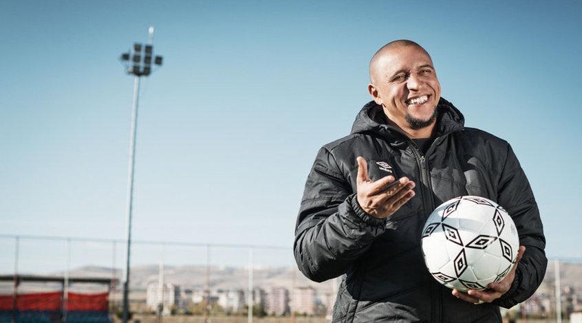 Роберто Карлос может возглавить европейскую сборную