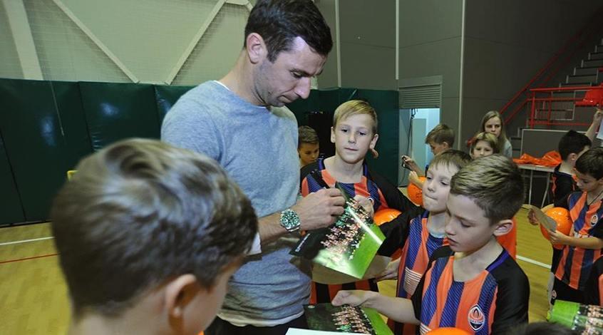 Дарио Срна поддержал юных спортсменов
