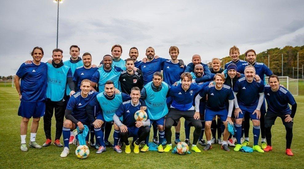 Верпаковскис, Джоркаефф и другие легенды футбола окончили магистерскую программу УЕФА