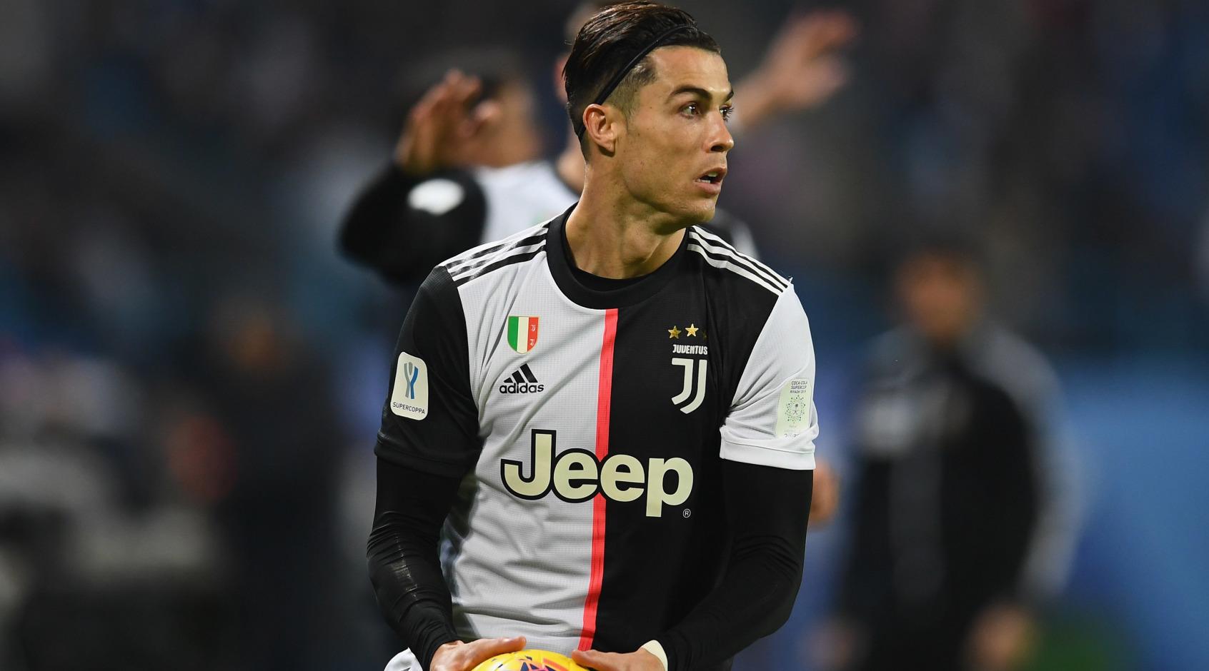 """Аллегри: """"Роналду выиграл пять """"Золотых мячей"""", у него куча денег, но он всегда умудряется ставить новые цели"""""""