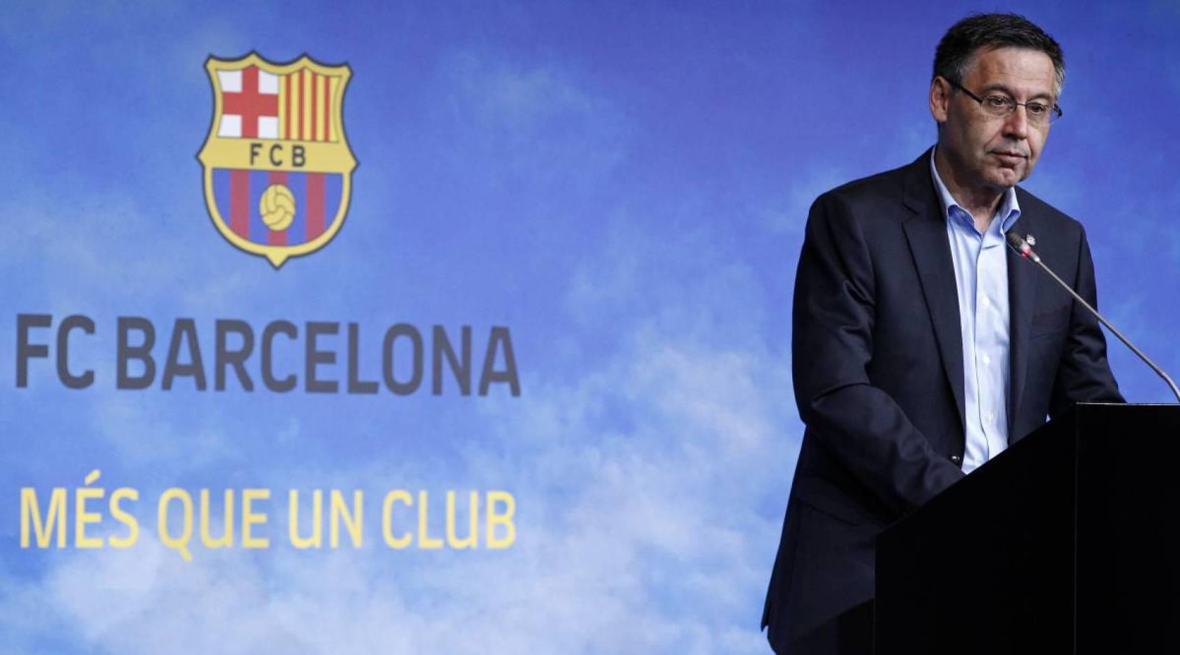 """Экс-президент """"Барселоны"""" Бартомеу, проведший ночь в полиции, отпущен под залог"""