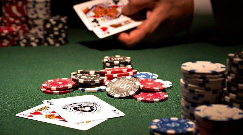 Кикер в покере: определение, примеры и советы по розыгрышу