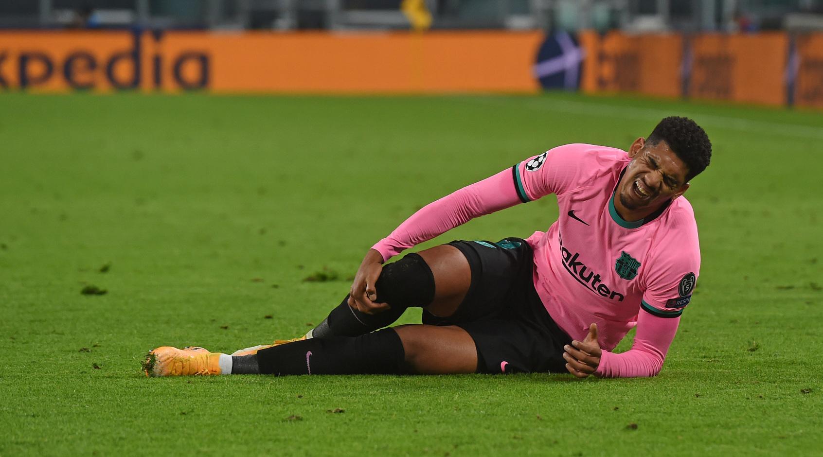"""Барселона"" подтвердила травму своего защитника"