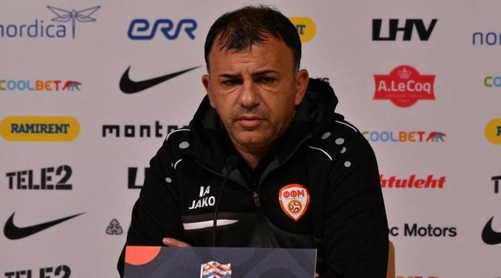Соперник сборной Украины на Евро-2020 продлил контракт с главным тренером