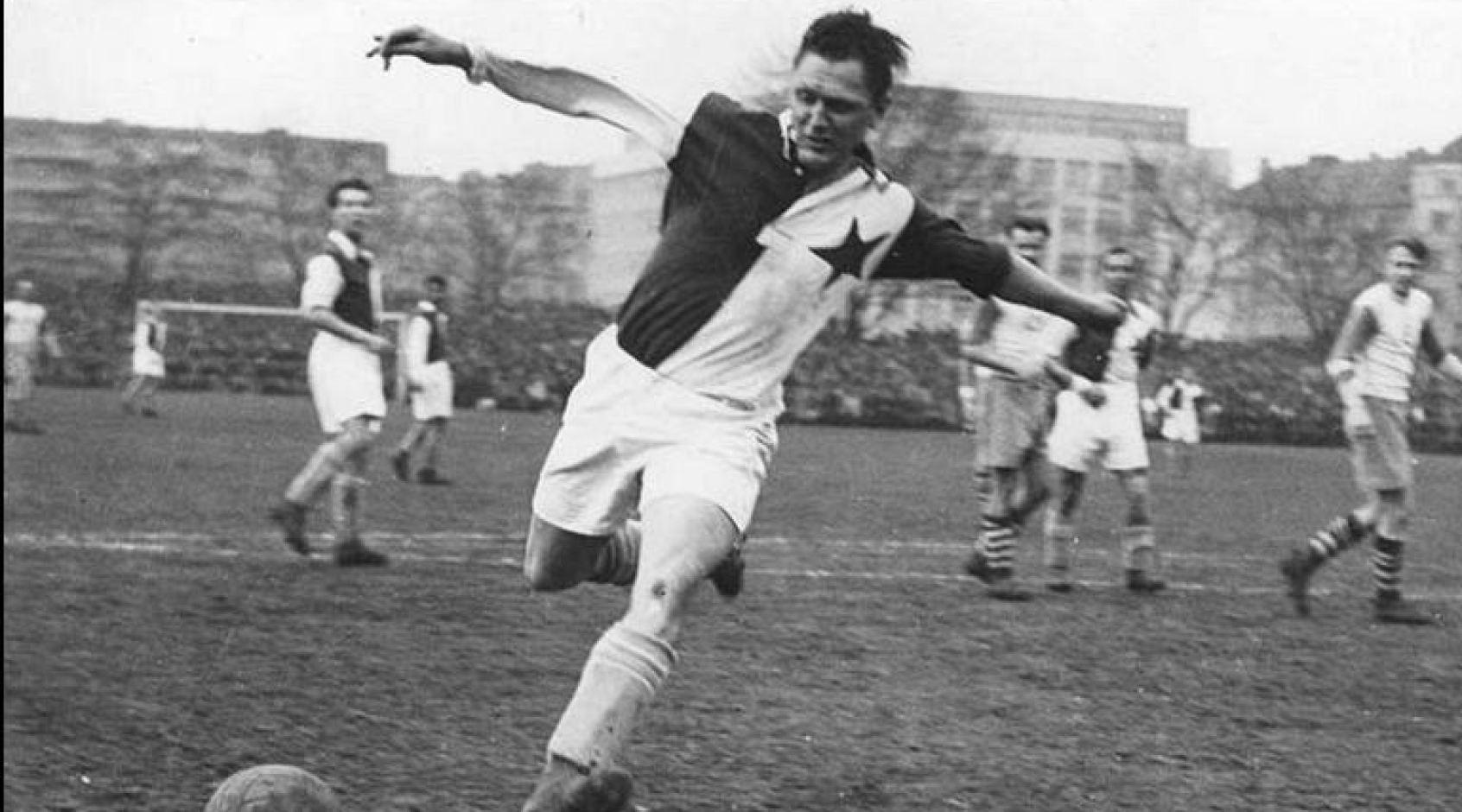 Футбольная ассоциация Чехии оспорила рекорд Роналду: Бицан забил 821 гол
