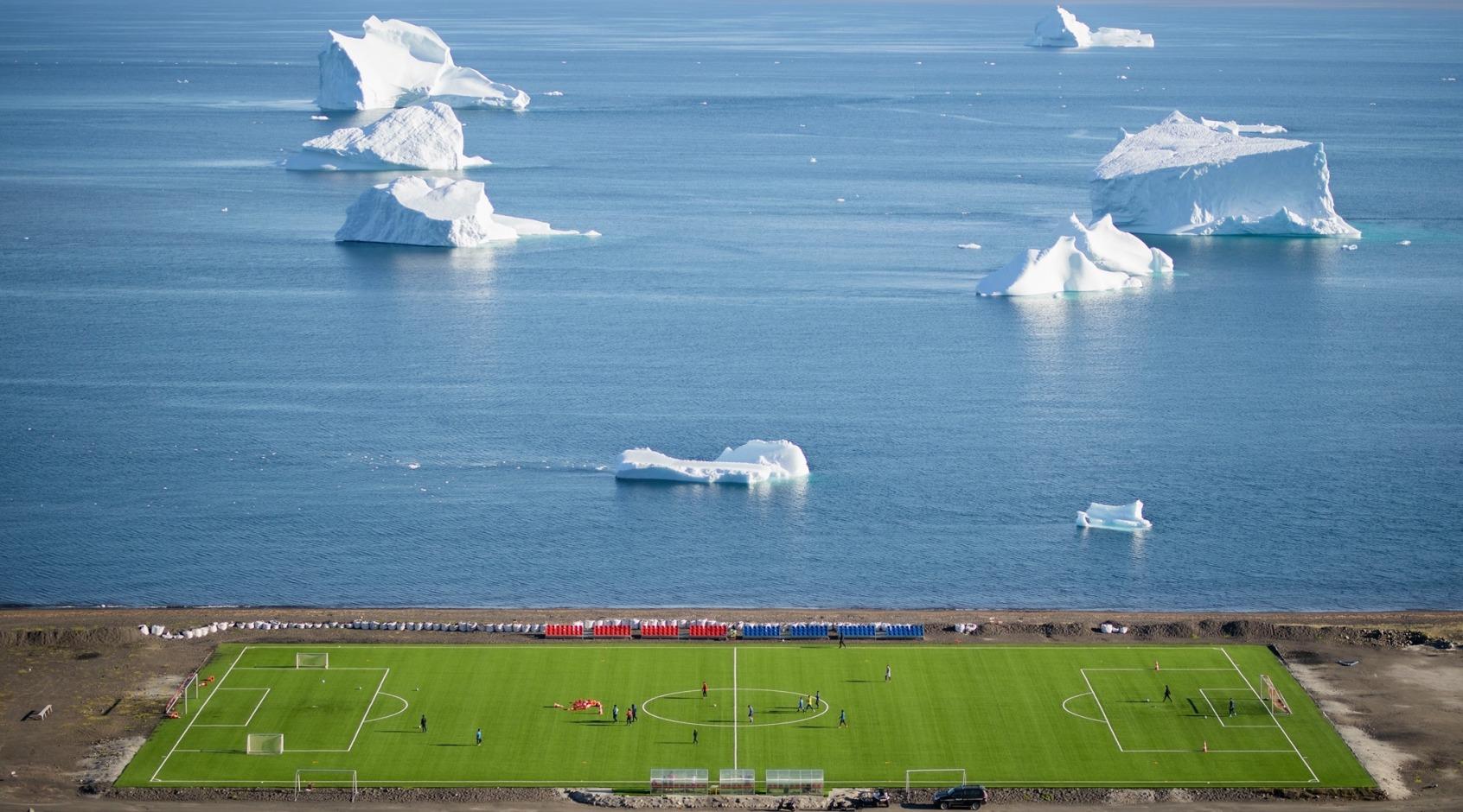Самое короткое футбольное соревнование в мире: в Гренландии сезон длится одну неделю (+Фото, Видео)