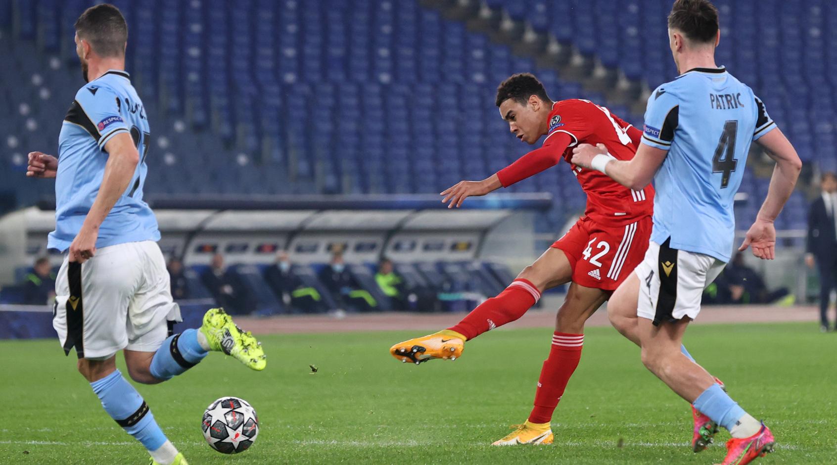 Мусиала - самый молодой англичанин, забивавший в Лиге чемпионов