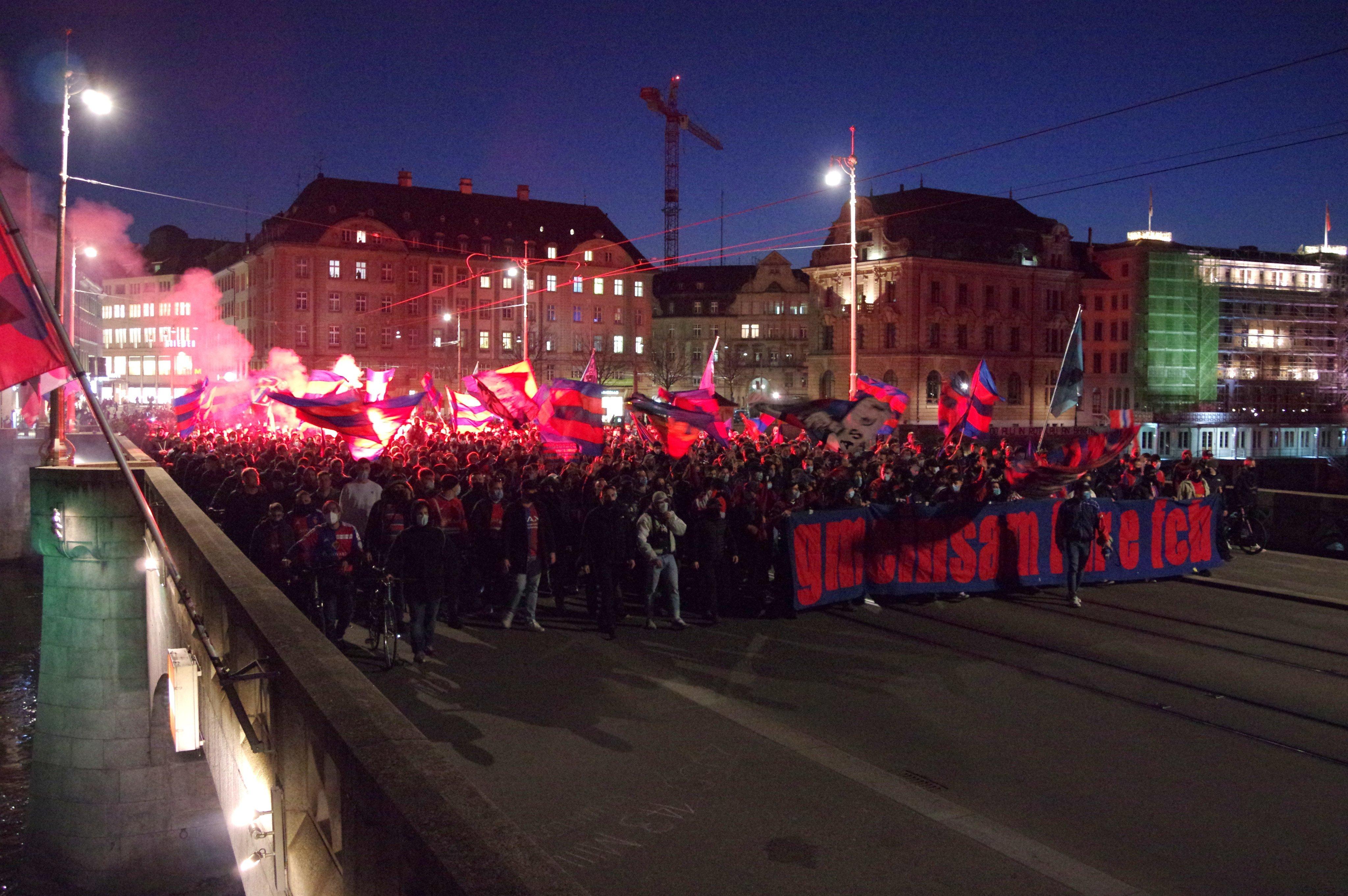 """Скандал в Швейцарии: капитан """"Базеля"""" пытался устроить бунт против тренера (+Фото, Видео) - изображение 2"""