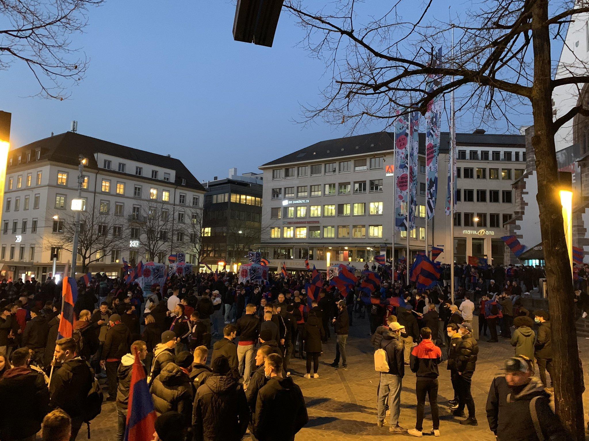 """Скандал в Швейцарии: капитан """"Базеля"""" пытался устроить бунт против тренера (+Фото, Видео) - изображение 1"""