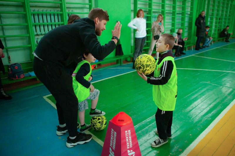 В Ровно прошла инклюзивная тренировка для детей от Parimatch Foundation - изображение 2