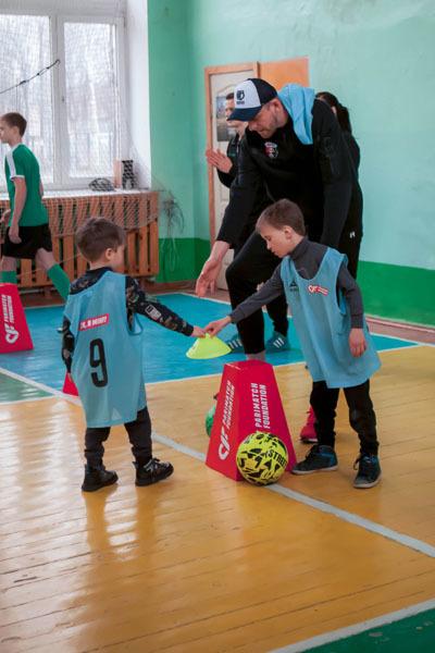 В Ровно прошла инклюзивная тренировка для детей от Parimatch Foundation - изображение 3