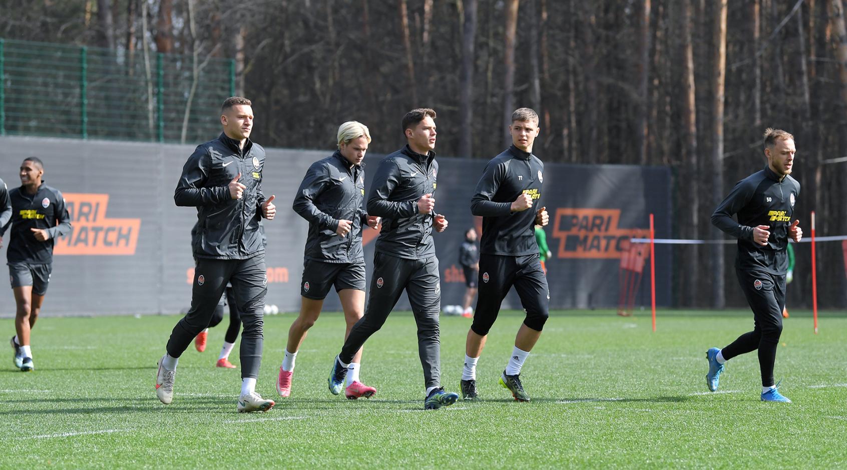 """""""Шахтер"""" вернулся к тренировкам: Исмаили и Корниенко набирают форму"""