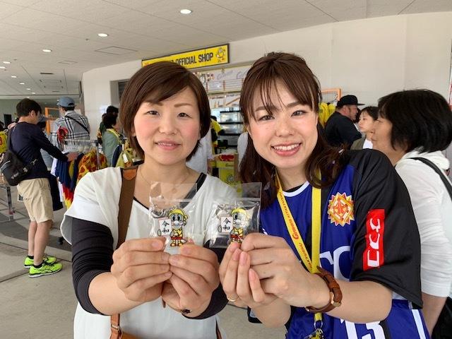 Чемпионат по обжорству и конкурс детских рисунков: как японский клуб заманивает болельщиков (+Фото, Видео) - изображение 4