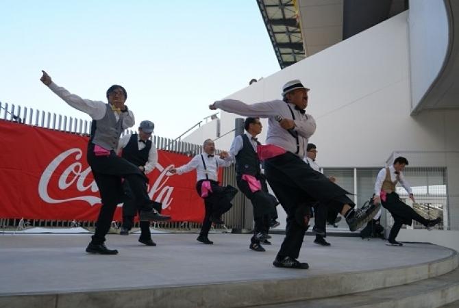 Чемпионат по обжорству и конкурс детских рисунков: как японский клуб заманивает болельщиков (+Фото, Видео) - изображение 7