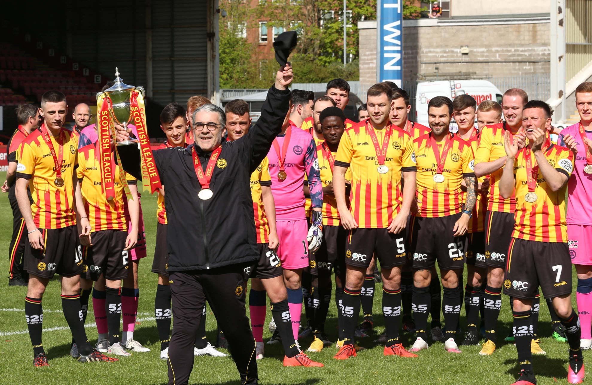 Месть по-шотландски: клуб не пустил футбольных чиновников на церемонию награждения (+Фото, Видео) - изображение 2