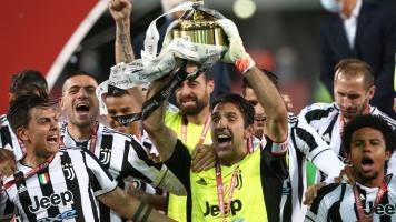 Буффон выигрывал Кубок Италии в трех разных десятилетиях - со старшим и младшим Кьезами