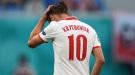 Гжегож Крыховяк стал обладателем первой красной карточки на Евро-2020