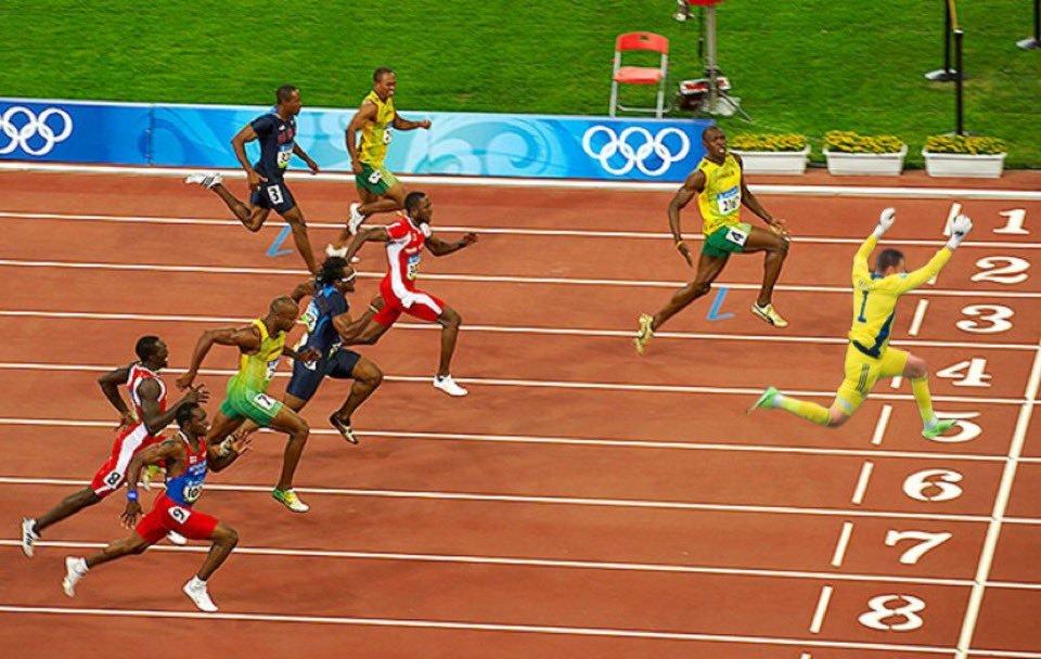 Прыжок вратаря сборной Шотландии Маршалла высмеяли в соцсетях после матча с Чехией (Фото) - изображение 2
