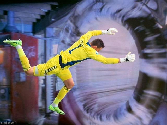 Прыжок вратаря сборной Шотландии Маршалла высмеяли в соцсетях после матча с Чехией (Фото) - изображение 7