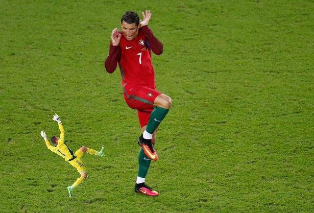 Прыжок вратаря сборной Шотландии Маршалла высмеяли в соцсетях после матча с Чехией (Фото) - изображение 31