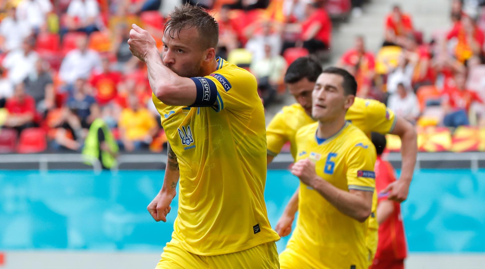 Україна - Північна Македонія: як Ярмоленко тролить Роналду, льодяна ванна, та вогняні емоції після гри (Відео)