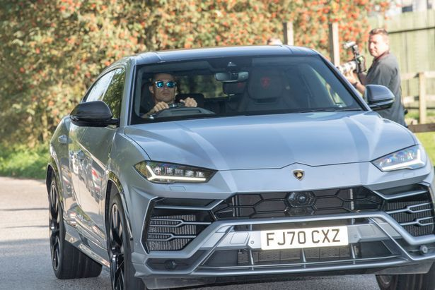 Роналду - на Lamborghini, Пеле - на Mercedes, какие авто предпочитают звезды футбола (+Фото) - изображение 1
