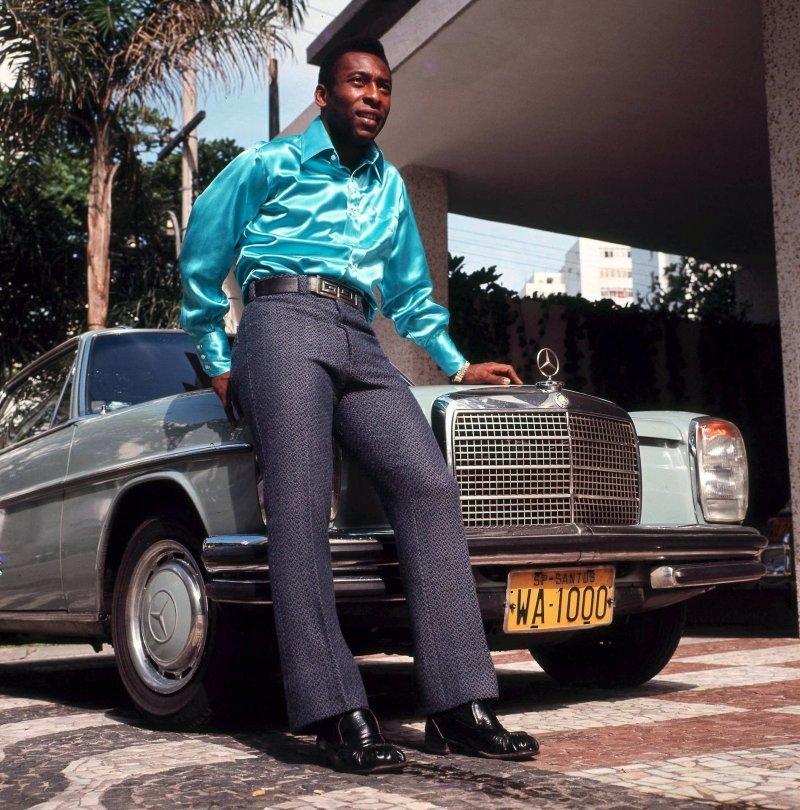 Роналду - на Lamborghini, Пеле - на Mercedes, какие авто предпочитают звезды футбола (+Фото) - изображение 2