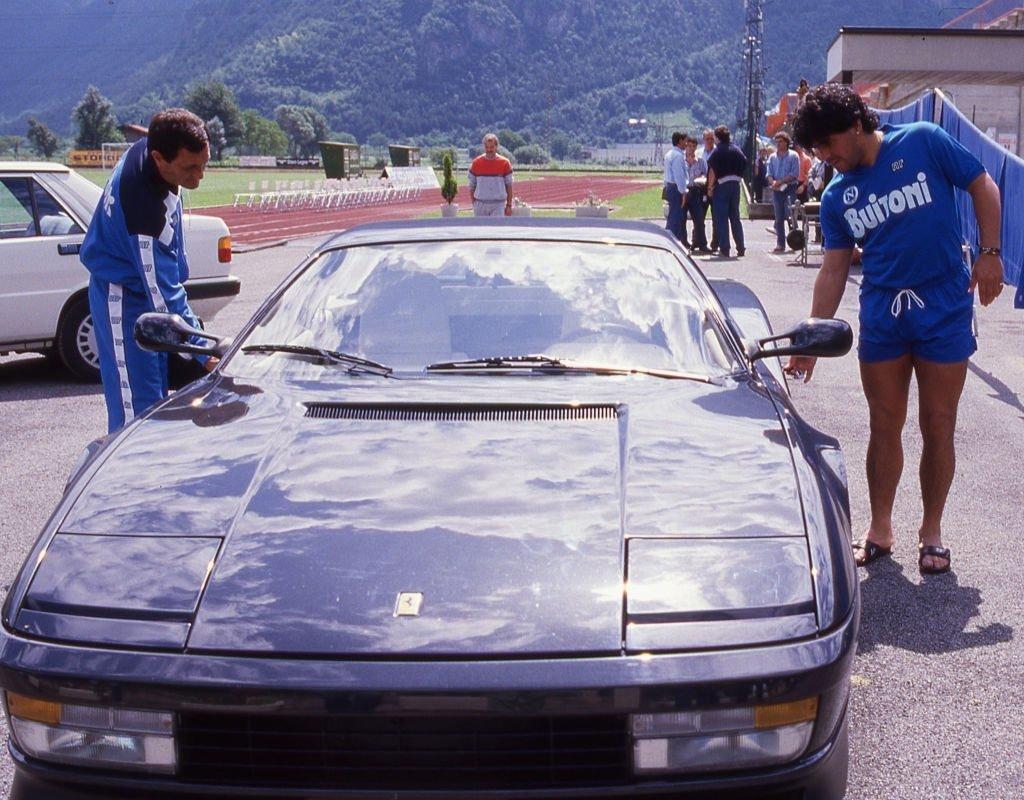 Роналду - на Lamborghini, Пеле - на Mercedes, какие авто предпочитают звезды футбола (+Фото) - изображение 5