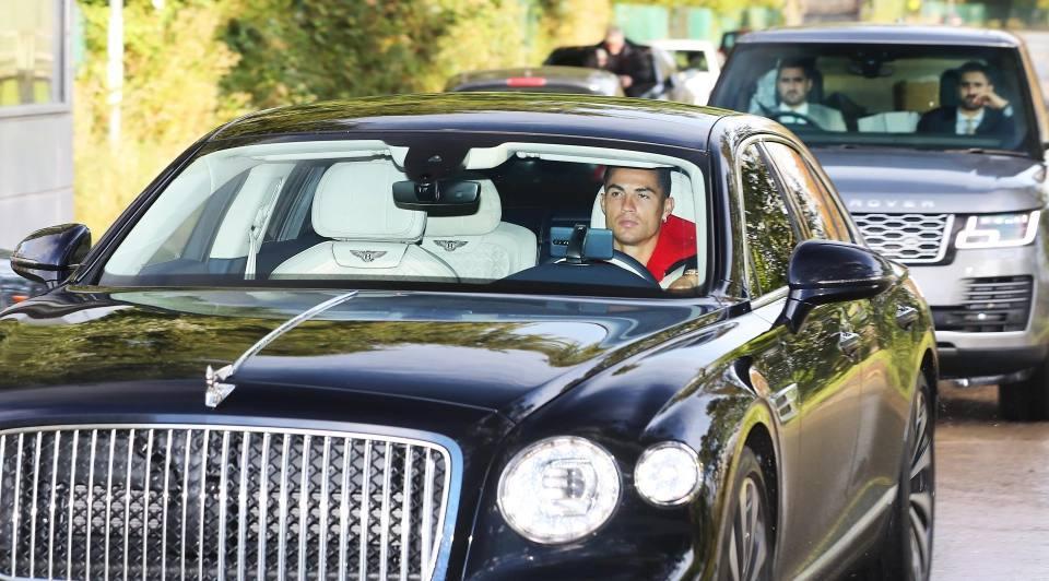 Роналду прибыл на тренировку на новом роскошном лимузине в сопровождении охраны - изображение 1