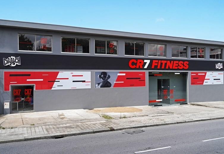 Криштиану Роналду открыл сеть тренажерных залов в Порту (+Фото) - изображение 3