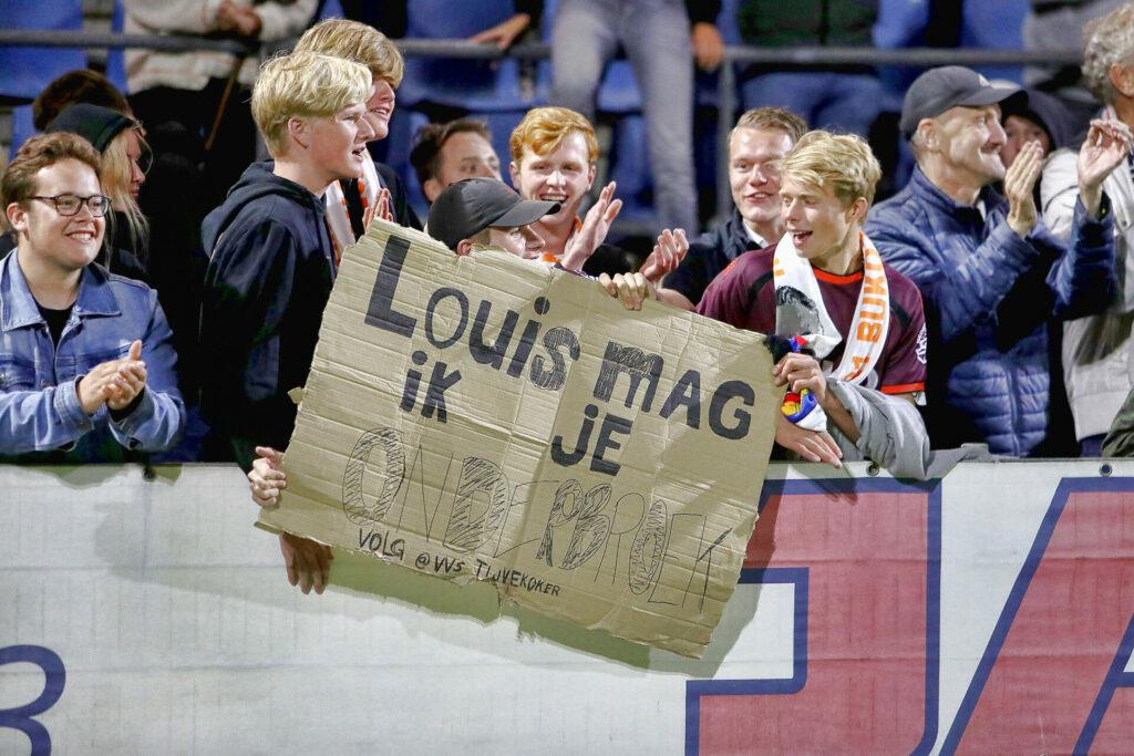 """Луи ван Гаал дебютировал в качестве тренера """"Телстара"""": выиграл и сразу попрощался с командой (Фото, Видео) - изображение 8"""